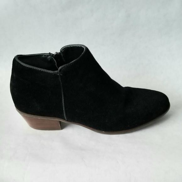 Crown Vintage black suede ankle booties 8.5 M